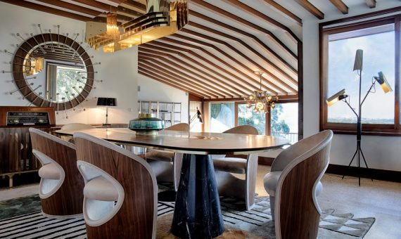 Discover a Mid-Century Design House san diego The 10 Best Interior Designers of San Diego Discover a Mid Century Design House 3 570x340