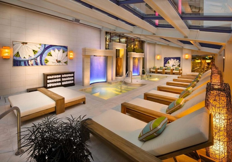 best interior designers based in las vegas Meet the Best Interior Designers Based in Las Vegas Aqua Loung horiz small cropped