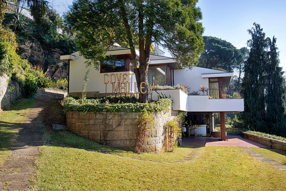 Discover an Incredible Mid-Century Modern Mansion in Oporto mid-century Discover an Incredible Mid-Century Modern Mansion in Oporto Discover an Incredible Mid Century Modern Mansion in Oporto 2