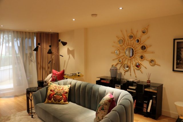 Inside the Luxurious Living Room of a Private Show Flat in London london´ Inside the Luxurious Living Room of a Private Show Flat in London Inside the Luxurious Living Room of a Private Show Flat in London 3