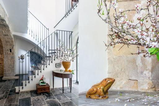 Classic Living Room Source: Brockschmidt & Coleman LLC