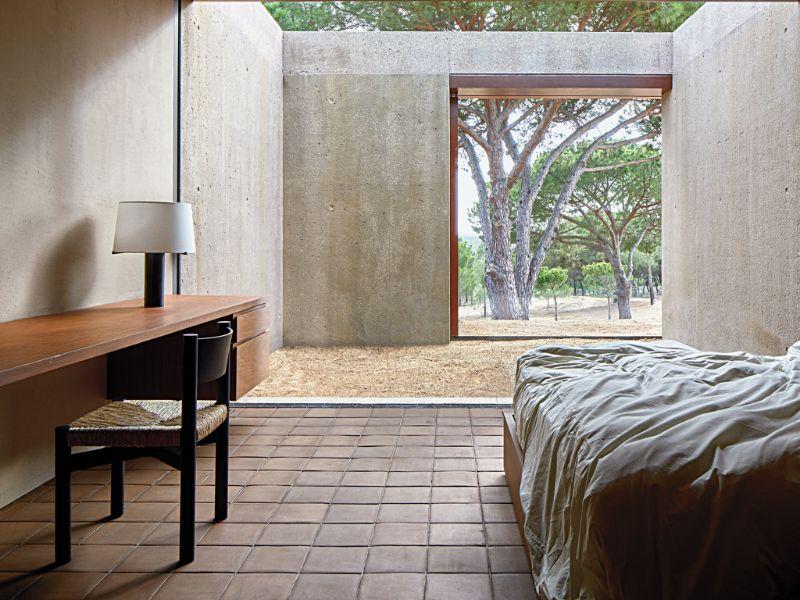 Minimalist Bedroom Idea By Vicent Van Duysen minimalist bedroom ideas Minimalist Bedroom Ideas By Vicent Van Duysen minimalist bedroom idea vicent van duysen 2